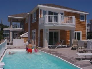 $300 OFF WKEND/$500 WKS* - Pool&HotTub, On Water, 300 yds to bch,6 Paddleboards, Fenwick Island