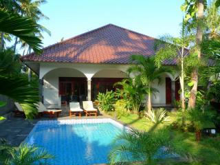 Villa Kelapa Lovina Bali, Lovina Beach