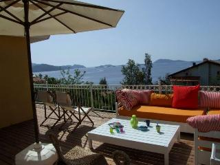 Lovely seaside Villa Mimosa, breathtaking view!, Kas