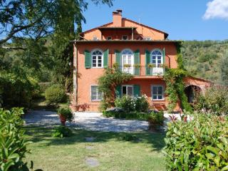 6 Bedroom Farmhouse Villa at Al Palazzaccio, San Martino in Freddana