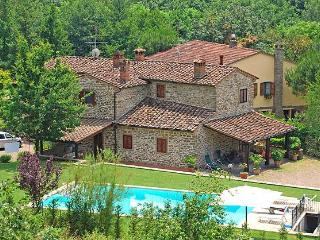 Tuscany Farmhouse with a Private Pool - Casa Antonio, Subbiano
