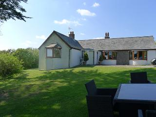 Pet Friendly Holiday Cottage - Westhills, Lydstep