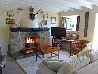 Pet Friendly Holiday Cottage - Honeysuckle Cottage, Lochvane, Nr Solva, Newgale