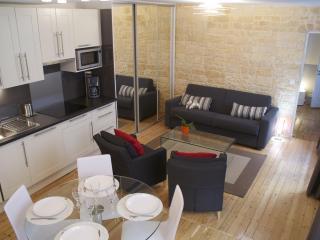 CENTRAL = Montorgueil : 5 Sleeps, 2 Bathrooms !, Paris