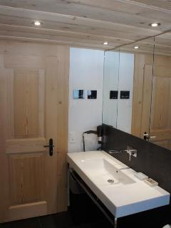 Bathroom - modern comfort meets classic design