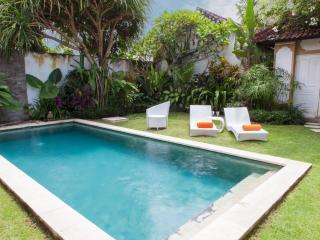 Pool side (1)