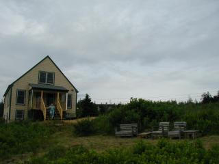 Seaside Cottage, 3 BRs, Private Beach, Great Views
