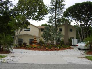 The Mansion - Large Beach Resort / Family Home !, Bradenton