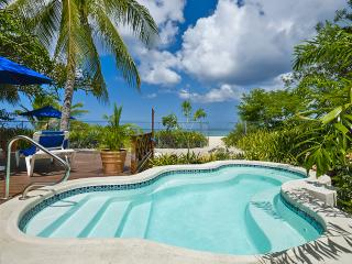 Exclusive three bedroom beachfront villa Sea Turtle, Black Rock