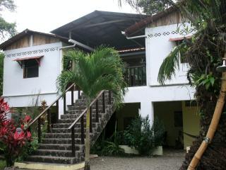 Casa Faya Lobi Perfect Beach and Nature Getaway, Manzanillo