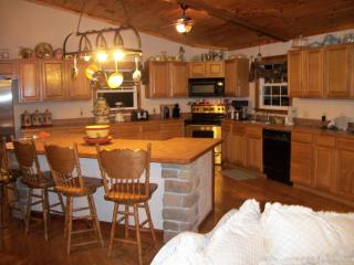 Beautiful 4000 Square Foot House - Sleeps 12!!!, Harrison