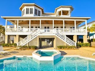 Oceanfront Home with Pool, Spa, Large Kitchen and Private Beach Access!