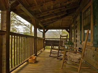 Mountain Rose Log Cabin - Buy 5 Nights or More Get 1 Free! Romantic, Private & Peaceful Sevierville Property w/Fishing Pond, Pool Table & More