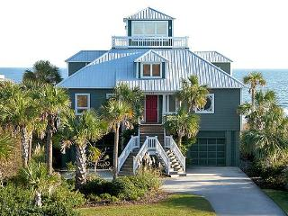 What's Not to Love! 3bd, 2.5ba Ocean Front, Cute!!, Isle of Palms