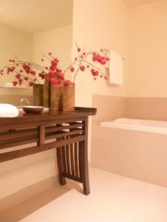 Master Bedroom En-Suite 2