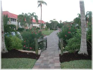 Beachside 2 Bedroom Condo at Sanibel Arms, Florida