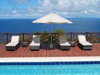 Villa at Panorama - Ideal for Couples and Families, Beautiful Pool and Beach