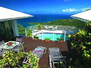 Diamond Crest Villa - Ideal for Couples and Families, Beautiful Pool and Beach, Tortola