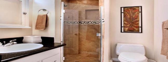 Rear Guest Suite Bathroom
