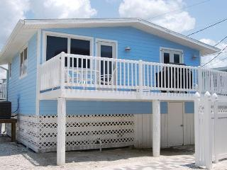 Cottages of Paradise Point - Dolphin Cottage, Fort Myers Beach