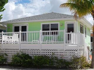 Cottages of Paradise Point - Island Cottage, Fort Myers Beach