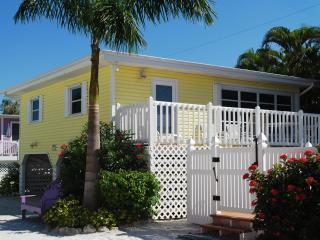 Cottages of Paradise Point - Sun Cottage, Fort Myers Beach