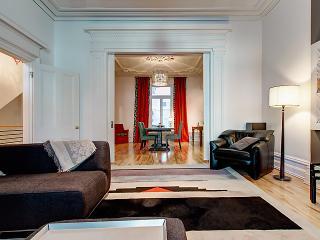 Magnificent downtown Victorian appartement, Montréal