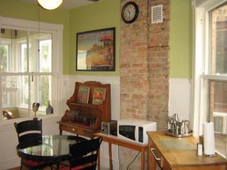 Vintage historic 3 bedroom Chicago/Andersonville