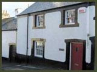Hen Dafarn Spacious Inside Conwy Walls Sleeps 6