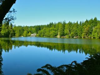 Best-Rated Waterfront Home, 7+ acres, very private, Olympia