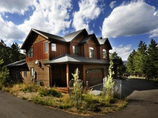 SLEEPS 1-28, 4 LUXURY CONDOS; INDIVIDUAL OR GROUPS, Estes Park