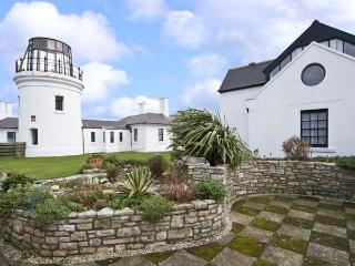 OLD HIGHER LIGHTHOUSE BRANSCOMBE LODGE, family friendly, character holiday cottage, with pool in Portland Bill, Ref 12497, Dorset