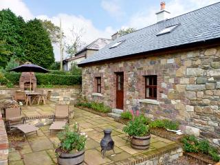 ROSE COTTAGE, pet friendly, country holiday cottage, with a garden in Gorey, Cou