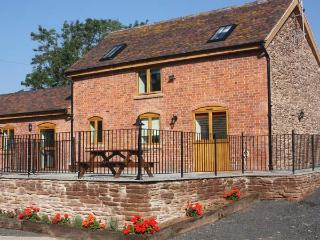 THE STABLES, pet friendly, country holiday cottage, with a garden in Little