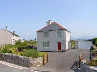 Y FRON, family friendly, country holiday cottage, with a garden in Newborough, Ref 10155