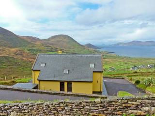 HIGH RISE, family friendly, with a garden in Waterville, County Kerry, Ref 11441