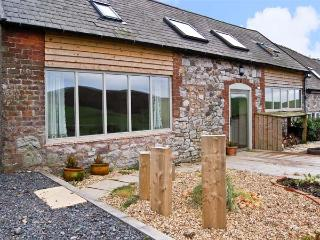CREAGH DHU, family friendly, country holiday cottage, with open fire and WiFi in Ratlinghope, Ref 8871, Church Stretton