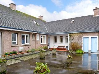 BAY VIEW APARTMENT, family friendly, with a garden in Oban, Ref 11798