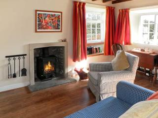 THE OLD WATCHMAKER'S SHOP, pet friendly, character holiday cottage, with open fire in Cropton, Ref 10354, Pickering