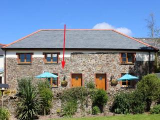LUNDY VIEW COTTAGE, family friendly, character holiday cottage, with a garden in