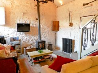 CHERRY TREE COTTAGE, pet friendly, character holiday cottage, with open fire in