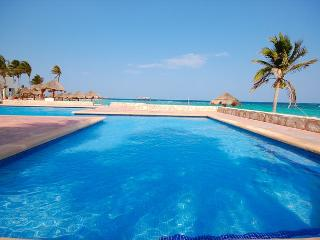 Cute and romantic, beachfront, Studio 001,Aventuras Akumal. Akumal Direct.