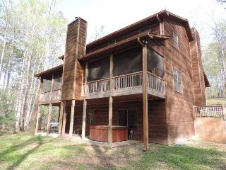 Huge 6 Bed Room Cabin on a Large Lot with Game Room and Fire Pit