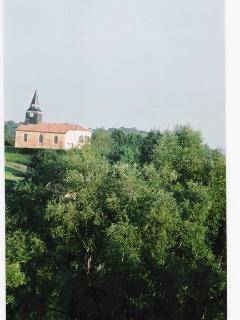 The chapel to the castle of Boncourt, that survived; nowadays village church of Ante