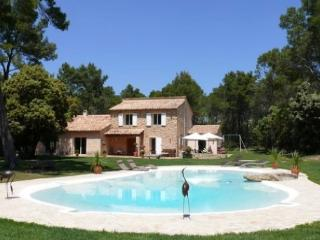 Holiday rental Villas Rognes (Bouches-du-Rhone), 340 m2, 5 650 €