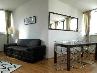 Vacation Apartment in Leipzig - 797 sqft, central area, high-quality furniture and appliances, elevator…