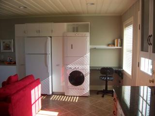 Laundry Area, Refrigerator/Freezer, Desk