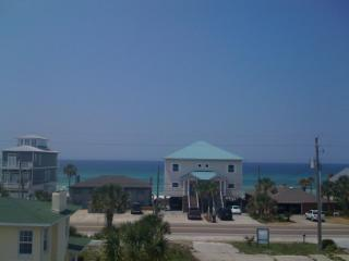 SPECIALS - Spacious 6 Bedroom w/ OceanView & Pool, Panama City Beach