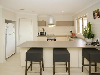 Villa SALTWATER Melbourne - QUALITY & LOCATION