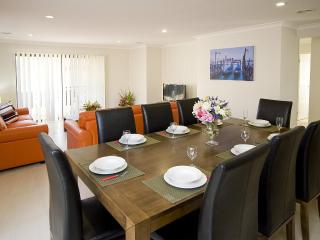 VILLA STONEYFELL Melbourne - AFFORDABLE, SLEEPS 10